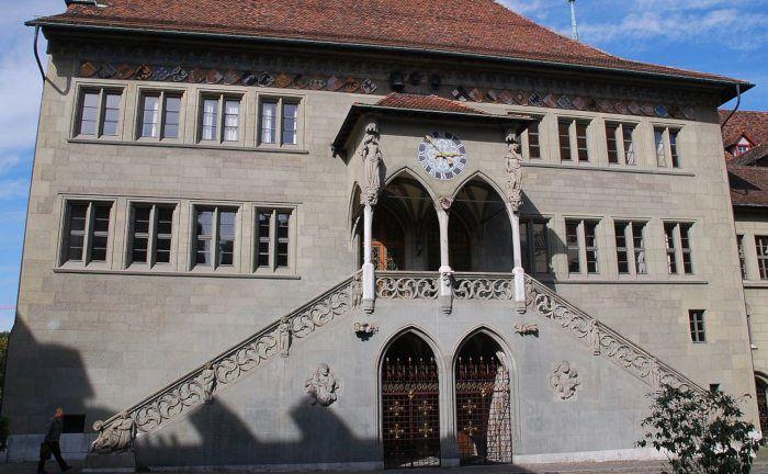 Das Rathaus von Bern. In der Schweizer Hauptstadt wird jeder Kredit öffentlich ausgeschrieben.