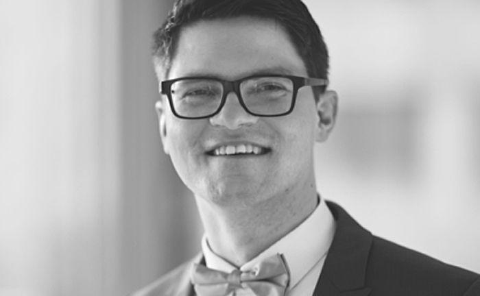 Dr. Christian Fieberg ist in der Solvecon Invest hauptverantwortlich für das quantitative Research sowie die Entwicklung finanzmathematischer Verfahren zur Modellierung, Analyse und Lösung von Entscheidungsproblemen des modernen Asset Managements.