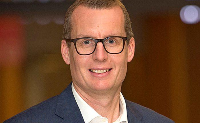 Der Diplom-Wirtschaftsingenieur Alexander Mayer ist seit 2015 Sprecher der Geschäftsführung von  W&W Asset Management.