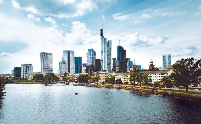 Frankfurt: Portikus Investment aus der Mainmetropole kooperiert mit der Hamburger Service-KVG Hansainvest. Die Aufgaben als Verwahrstelle des Portikus International Opportunities Fonds überträgt der inhabergeführte und bankenunabhängige Investmentmanager zeitgleich auf das Berenberg Vermögensverwalter Office.|© Tembela Bohle