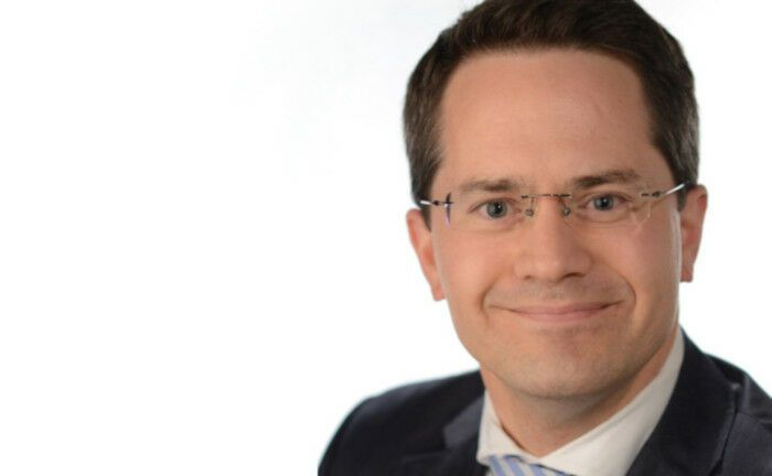 Axel-Rainer Hoffmann ist Mitglied der Vorstände der Volkswohl Bund Versicherungen.