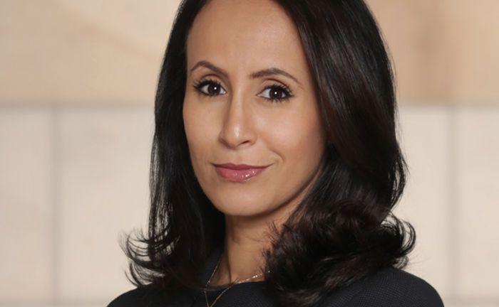 Miriam Bouazza leitet bei KPMG Law die Abteilung, die Unternehmen des Finanzsektors berät.