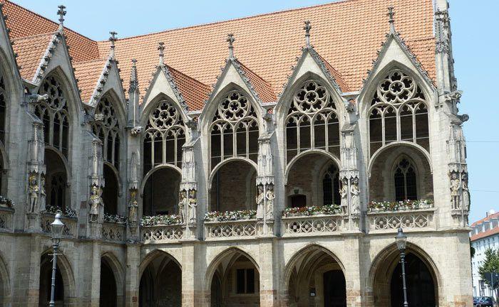 Rathaus in Braunschweig: Die in der Stadt ansässig Kulturstiftung Braunschweiger Kulturbesitz soll in Summe von 1,9 Milliarden Euro unrechtmäßig verwendet haben.|© Pixabay
