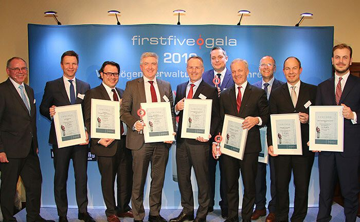 Gruppenfoto der Sieger der Firstfive Awards 2019