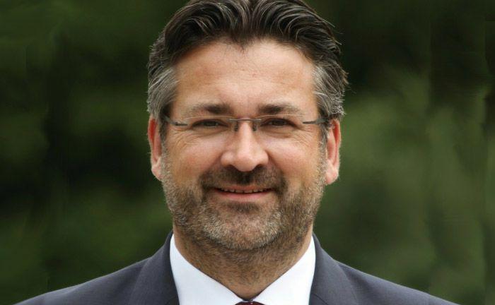 """Markus Köppl, Betreiber von """"anleger24.de"""": Auf der Online-Plattform sucht jemand eine 32-KWG-Lizenz."""