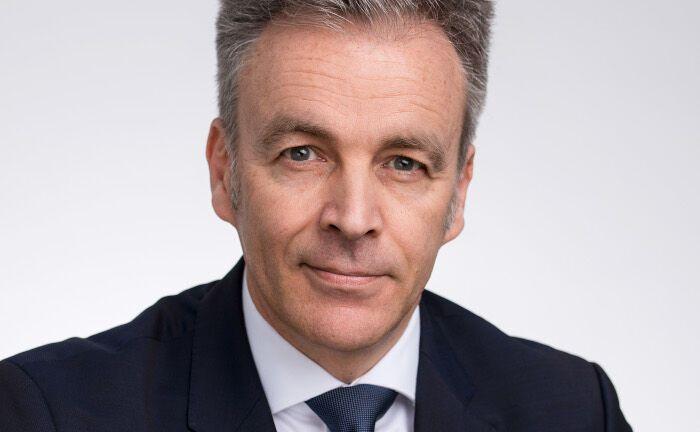 Michael Steiner leitet das deutschsprachige Kundengeschäft vom Frankfurter Büro aus.