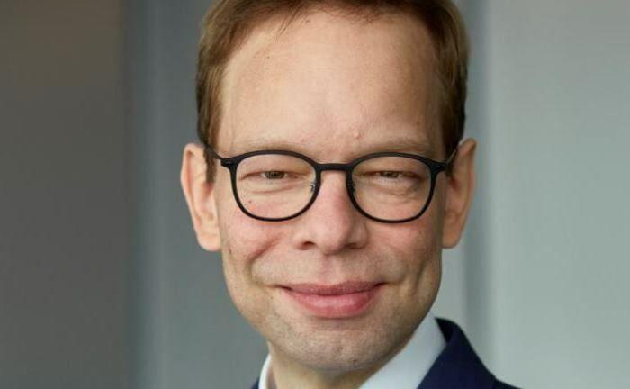 Research-Analyst Marius Kleinheyer: Damit Frauen ihre Stärken bei der Aktienanlage ausspielen können, müssen sie sich mit dem Thema befassen.