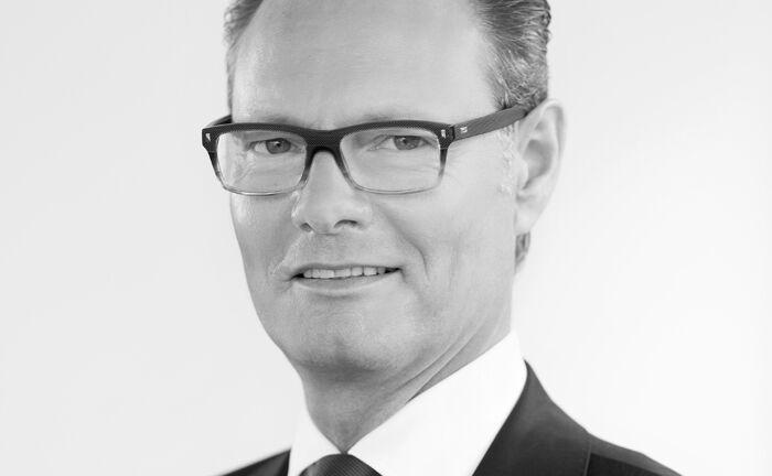 Dietmar Schunk, seit Oktober 2017 Vorstandsvorsitzender des Family Office der Frankfurter Bankgesellschaft , verstarb am 3. März 2019.