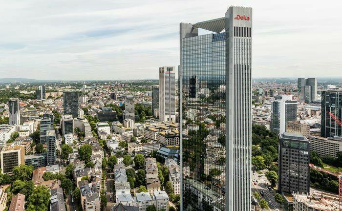 Zentrale der Dekabank in Frankfurt: Mit 186 Metern Höhe und 47 Stockwerken nimmt das sogenannte Trianon Platz 6 auf der Liste der Hochhäuser Frankfurts ein.|© Dekabank