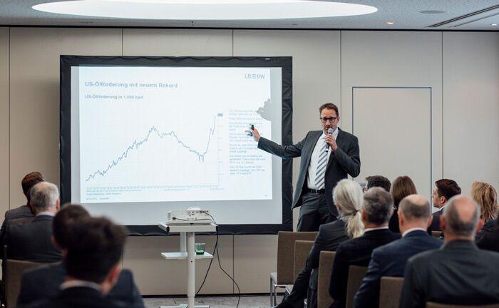 Vortrag von LBBW-Investmentanalyst Frank Schallenberger auf dem 8. Kapitalmarktforum der Landesbank Baden-Württemberg in Wien.|© Marlene Fröhlich