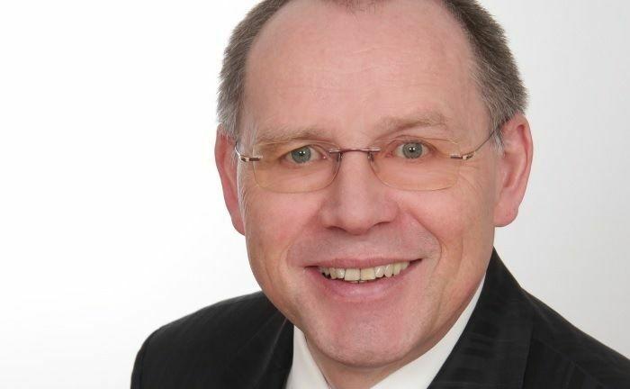 """Firstfive-Vorstand Jürgen Lampe: """"Der Vermögensträger muss sich nicht selbst im Dschungel der Anbieter orientieren und erhält für ihn passende Portfoliomanager mit vielen Detailinformationen präsentiert""""."""