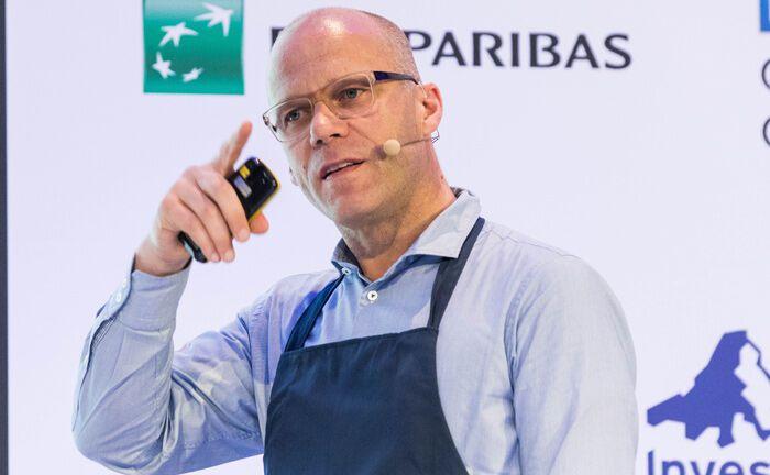 Dirk Stoess von Cormens sprach über das Somelier-Prinzip, einem neuen Beratungserlebnis.|© Anna Rauchenberger, Arman Rastegar