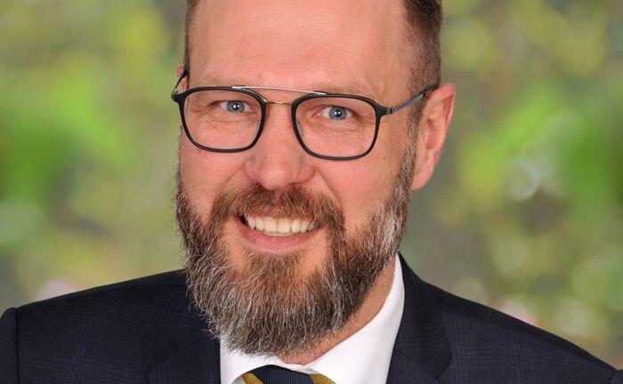 Benedikt Baron schließt sich zum 1. Juni 2019 dem Vermögensverwalter Salm-Salm & Partner an. Zuvor war er Leiter Private Banking der Kreissparkasse Kusel.