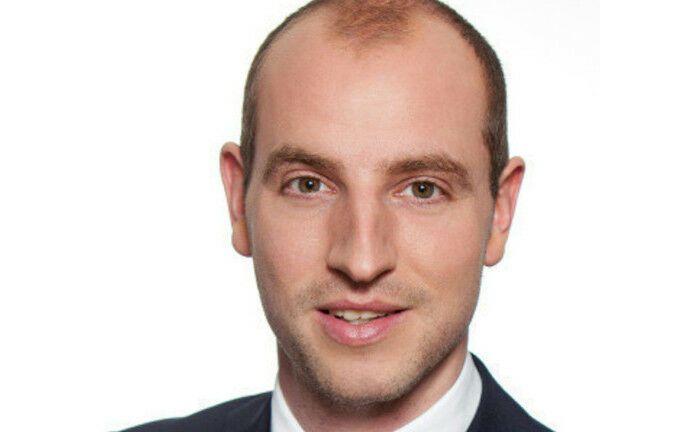 Sebastian Stahn arbeitet seit April dieses Jahres beim Verband der bayerischen Metall- und Elektroindustrie.