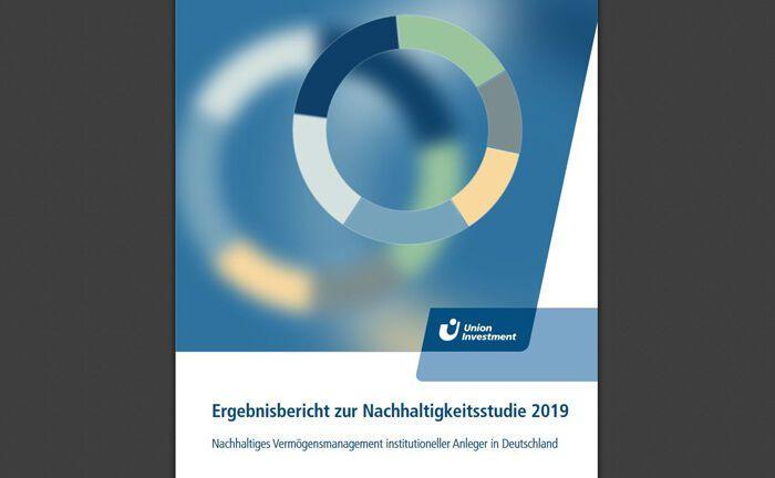 Deckblatt der jährlichen Umfrage der Fondsgesellschaft Union Investment vin institutionellen Anlegern zum Thema Nachhaltigkeit bei Anlageentscheidungen