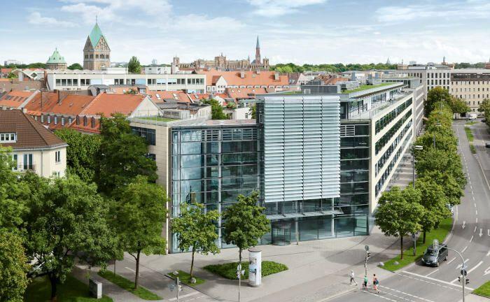 Bürohaus der Münchener Hyp am Karl-Scharnagl-Ring 10 in München. |© Münchener Hyp