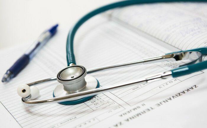 Der erfolgreiche Bewerber koordiniert federführend das ALM mit der Unternehmenssteuerung zur Kapitalanlage und den passivseitigen Verpflichtungen in der Krankenversicherung.