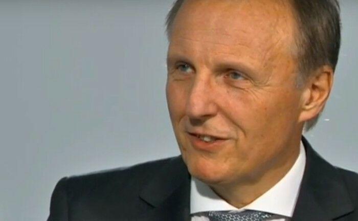 Hans Dieter Ohlrogge will Pensionseinrichtungen beraten.|© Screenshot, Youtube