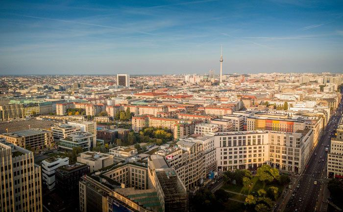 Skyline von Berlin: Sitz des digitalen Vermögensverwalters Liqid, der mit seinem Dachfonds schwerpunktmäßig in europäische und US-amerikanische Wohn- und Gewerbeimmobilien investieren will|© Pixabay