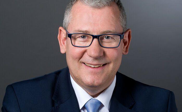 Uwe Rieken ist Gründer und geschäftsführender Gesellschafter von Faros Consulting.