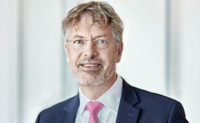 """Philipp Vorndran, Kapitalmarktstratege bei Flossbach von Storch: """"Die EZB sollte anstelle des Quantitative Easing besser den Einlagenzins kräftig auf minus 0,6 oder 0,75 Prozent senken."""""""