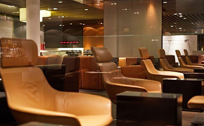 """Lufthansa First Class Terminal am Frankfurter Flughafen:  Fintechs nutzen das """"Miles & More""""-Programm schon länger als Mittel zur Kundenakquise."""