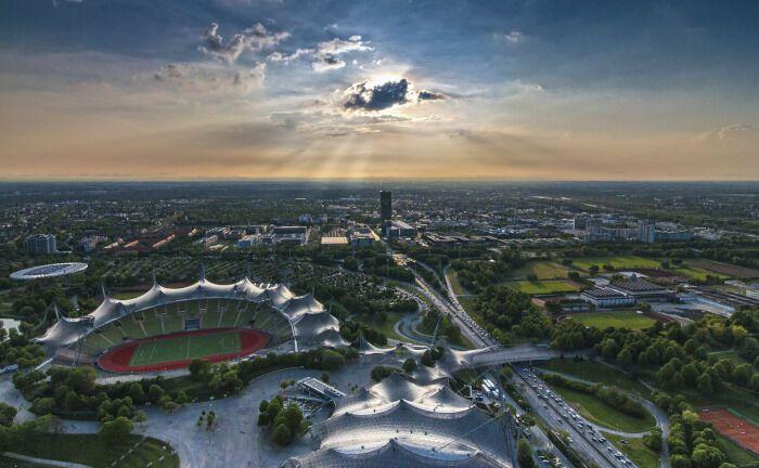 Blick auf den Olympiapark in München: Der neu gegründete Finanzdienstleister MF-Capital wurde am 10. Oktober 2019 beim Amtsgericht München eingetragen.