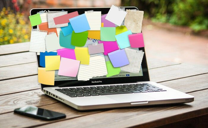 Ein Notebook voller Haftnotizen: Auf die künftigen Unternehmer Peter Dombeck und Marc-André Köhler kommen neue Aufgaben zu.|© Pixabay