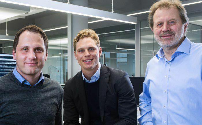 Florian Prucker (l.), Erik Podzuweit (M.) und Stefan Mittnik sind die Gründer des größten deutschen Robo-Advisors Scalable Capital.