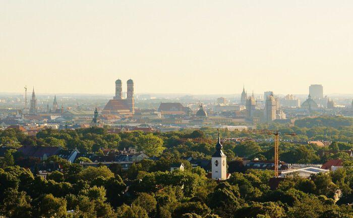 München ist reich an Kirchen und Klöstern: Die Evangelisch-Lutherische Kirche sucht eine Führungskraft für Immobilien und die Vermögensanlage.|© Pixabay