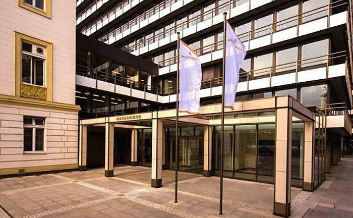 Zentrale von Berenberg in Hamburg: Die Privatbank betreut nun auch eine große Pensionskasse im Währunsgmanagement.|© Berenberg