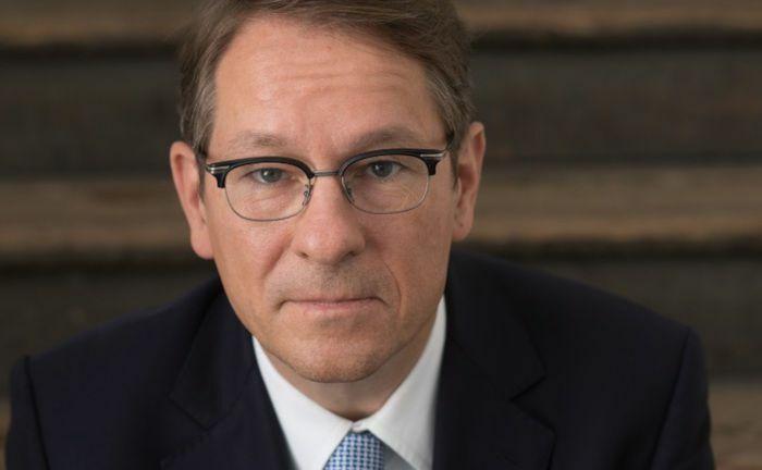 Olaf Keese soll die Kölner Pensionskasse und die Pensionskasse der Caritas sanieren.