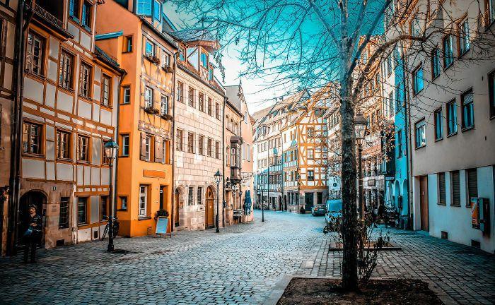 Altstadt in Nürnberg: Die Nürnberger Versicherung, die in der Stadt ihren Sitz hat, baut das Geschäft mit der Vermögensverwaltung aus.|© Pixabay