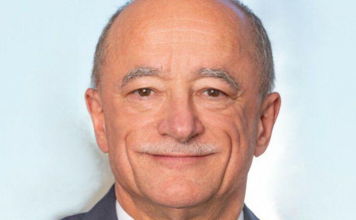 Jürgen Rupp ist Finanzvorstand der RAG-Stiftung: Die Hauptaktionärin des Chemiekonzerns Evonik hat weitere Anteile des Unternehmens verkauft.