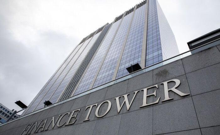 Der Finance Tower: Die Valesco Group hat gemeinsam mit Meritz Financial den Bürotum in Brüssel erworben. Die Allianz finanziert den Kauf.  | © Getty Images