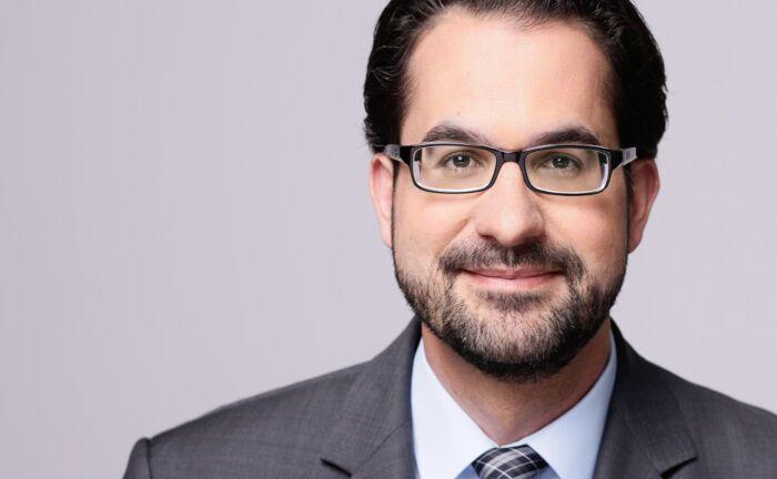 Christian Chrobok ist Hauptabteilungsleiter Kapitalanlagen der Volkswohl-Bund-Versicherungen: Die Suche nach auskömmlichen Anlagen führt den Maklerversicherer immer häufiger in Schwellenländer.
