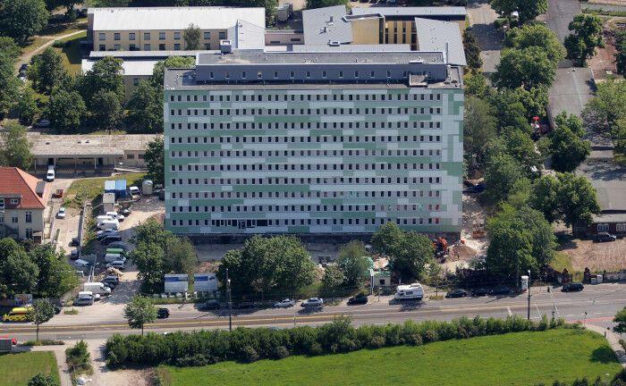 Vom Schandfleck zur gefragten Immobilie: Die ehemalige Zahnklinik in Erfurt wurde in den vergangenen Jahren in ein Studentenwohnheim umgebaut.