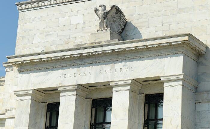 Hauptsitz der Federal Reserve in Washington, D.C.: Das Risiko der Abhängigkeit zwischen Aktienmarkt und der Liquidität der Zentralbank besteht weiterhin.