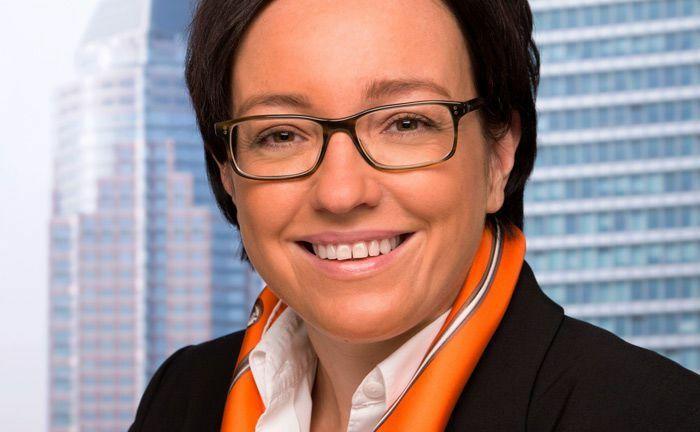 """Katja Müller verantwortet bei Universal-Investment die Kundenbetreuung: """"Wir stellen fest, dass unsere Kunden ihre Portfolios auch in der Anlageklasse Staatsanleihen immer stärker weltweit diversifizieren."""""""