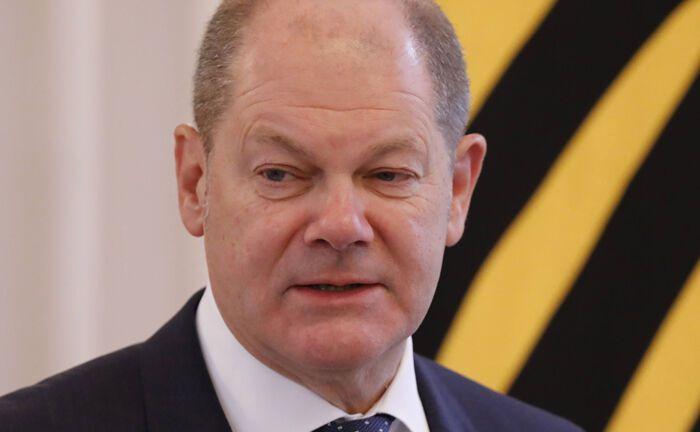 Bundesfinanzminister Olaf Scholz bei einer Rede im Schloss Bellevue: Seine Rolle in den Cum-Ex-Ermittlungen gegen die Hamburger Warburg-Bank als damaliger als Oberbürgermeister der Hansestadt wirft Fragen auf.
