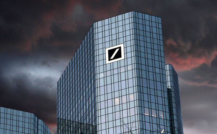 Zentrale der Deutschen Bank|© imago images / Sven Simon