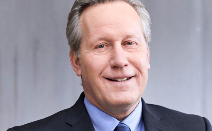 Michael Schneider, Geschäftsführer des Immobilienspezialisten Intreal, erläutert in seinem Gastbeitrag, welche Folgen die zunehmende Nachhaltigkeitsregulierung für Anbieter und Verwalter von Immobilienfonds hat.