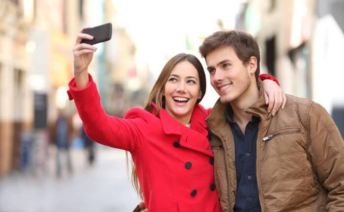 Die große Liebe kann auf Dating-Portalen warten: Analoges Kennenlernen ist altmodisch geworden.|© imago images / Panthermedia