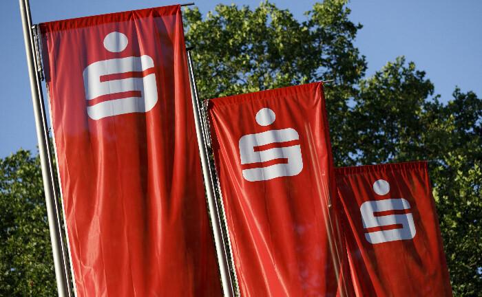 Sparkassen-Beflaggung: Frederic Conrad steht dem Geschäft des Instituts mit Vermögenden bereits seit Jahresbeginn vor.