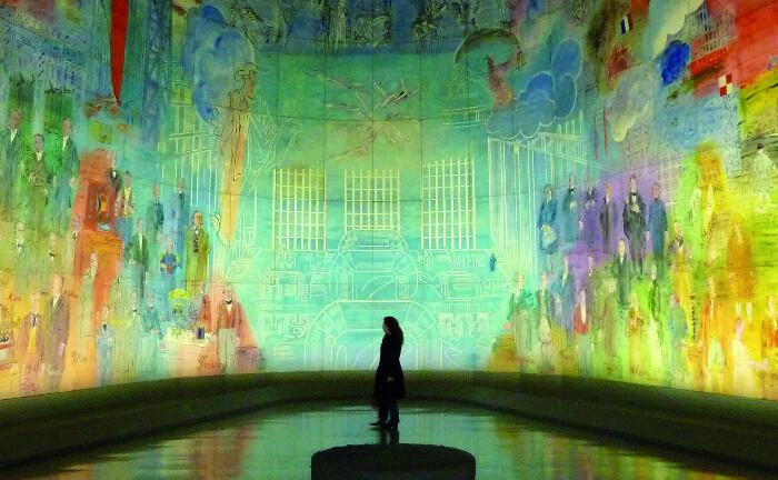 Gewaltiges Panorama-Kunstwerk im Museum der modernen Kunst in Paris