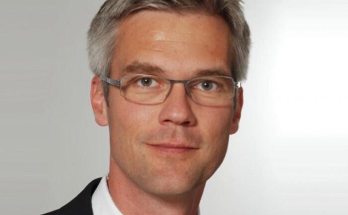 Jörg Blumentrath steigt in die Geschäftsführung der Fondsboutique Medical Strategy auf.
