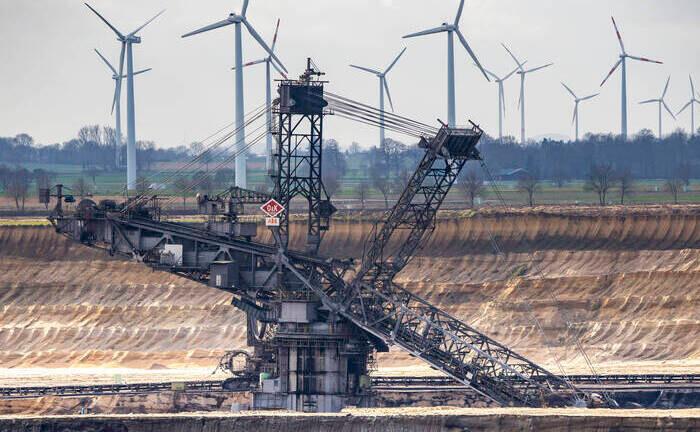 Tagebau im Rheinischen Braunkohlerevier: Die EU-Klimaziele erfordern während des kommenden Jahrzehnts jährliche Investitionen in Höhe von 180 Milliarden Euro.