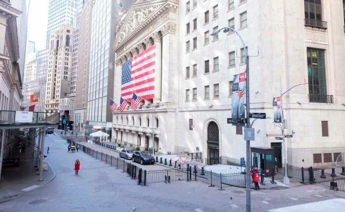 Gähnende Leere vor der New Yorker Börse: Die USA sind ein Risikofaktor für die kurz- bis mittelfristige Erholung der Weltwirtschaft. |© imago images / ZUMA Wire