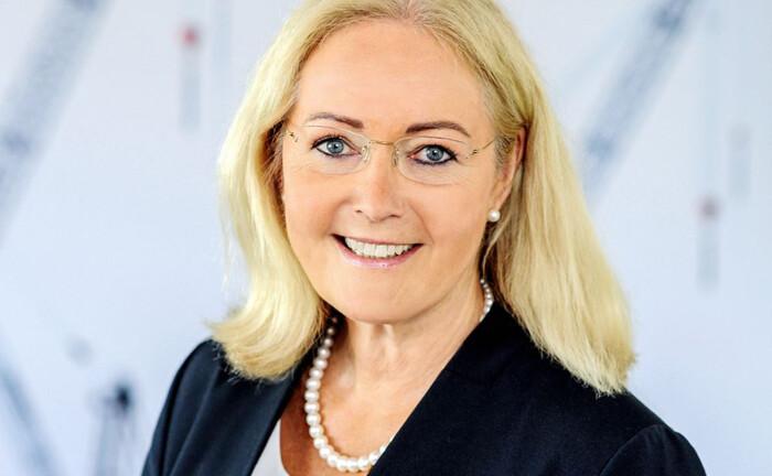Martina Hertwig ist Partnerin und Wirtschaftsprüferin bei Baker Tilly sowie Mitglied des ZIA-Präsidiums.