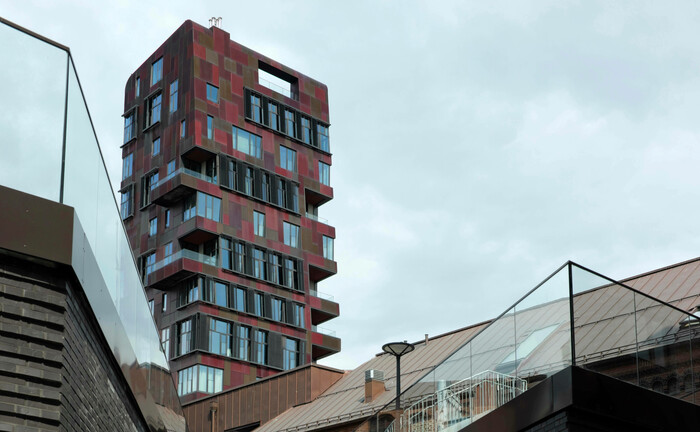 Wohngebäude in der Hamburger Hafencity: Immobilien sind bei Vermögenden mittlerweile Anlageklasse Nummer 1.|© imago images / Westend61